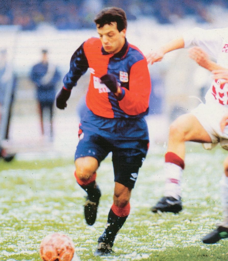 Questa immagine ha l'attributo alt vuoto; il nome del file è José_Oscar_Herrera_-_Cagliari_Calcio_1992-93-894x1024.jpg